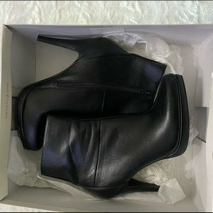 Nine West rock solid ankle bootie size 6.5